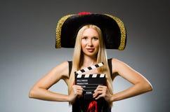 dräkten piratkopierar kvinnan Royaltyfri Foto