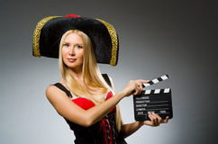 dräkten piratkopierar kvinnan Royaltyfri Bild