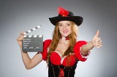 dräkten piratkopierar kvinnan Royaltyfri Fotografi