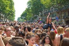 Drängen Sie sich im Stolz mit 2010 Homosexuellen in Paris Frankreich lizenzfreie stockbilder