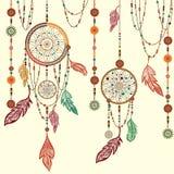 Dröm- stopparefjädrar, pärlor, spindelnät stock illustrationer
