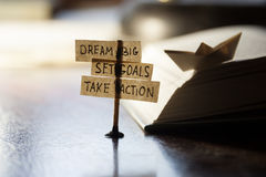 Dröm- stort, ställde in mål, tar handling Fotografering för Bildbyråer