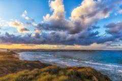 Drömlik solnedgång över Baleal Arkivfoton