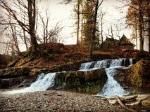 Drömlik vattenfall Arkivfoton