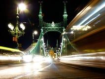 Drömlikt luddigt abstrakt begrepp av Liberty Bridge i Budapest royaltyfria foton
