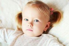 drömma flicka little arkivbild