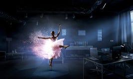 Drömma som blir ballerina Blandat massmedia royaltyfria bilder