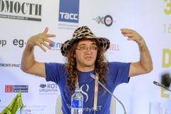 Dr Ben Goertzel vd av SingularityNET på den öppna innovationkonferensen royaltyfri foto