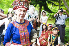 Dr. Jane Goodall aboriginal children in Taitung  2. Dr. Jane Goodall and Taitung aboriginal children. The children sing traditional songs to Dr. Goodall showing Stock Images