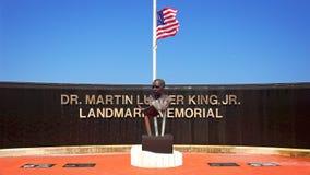 Dr Martin Luther King Jr Landmark Memorial i West Palm Beach royaltyfri fotografi