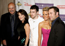 Dr. Phil McGraw, Robin McGraw, Jordan McGraw, Erica Dahm et Jay McGraw Photos libres de droits