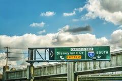 Dr. sinal de Disneylândia da saída em 5 de um estado a outro Fotografia de Stock