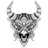 Dra den ilskna tjuren för färgläggningboken för vuxen människa, tatuering, T-tröjadesign och andra garneringar Arkivfoto