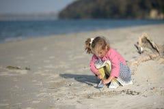 Dra på sand Royaltyfria Bilder