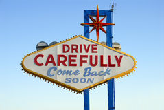 Dra tillbaka av berömd välkomnande till Las Vegas undertecknar Royaltyfria Foton