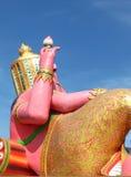 Dra tillbaka av den Ganesha statyn på den Thailand templet, Wat Saman Chachengsao Royaltyfria Bilder
