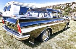 Dra tillbaka av den klassiska bilen i svart Arkivfoton
