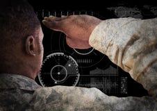 Dra tillbaka av soldaten som saluterar mot svart bakgrund med manöverenheten vektor illustrationer