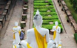 Dra tillbaka av stor Buddha på den gamla templet Wat Yai Chai Mongkhon, Ayuthaya Arkivfoton