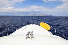 Dra tillbaka till Aten på en yacht som fotograferas från havet, Juni 10th, 2018 Royaltyfria Foton
