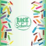 Dra tillbaka till färgade blyertspennor för skolan lägenheten på vit och Fotografering för Bildbyråer