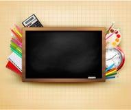Dra tillbaka till skolan. Bakgrund med svart tavla och sch Arkivfoto