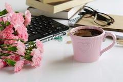 Dra tillbaka till skolan, begreppet för dagen för lärare` s, utbildning för affärskontoret, feriebegrepp Royaltyfri Foto