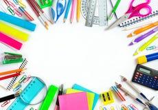 Dra tillbaka till skolan - skola brevpapper som inramar för skola Fotografering för Bildbyråer