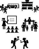 Dra tillbaka till skolauppsättningen av symboler på en vit bakgrund Arkivbilder