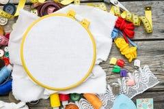Draad en het naaien stock fotografie