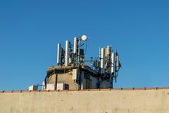 Draadloze dak-opgezette antennesserie, Bronx, NY stock foto