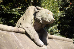 Draag Beeldhouwwerk, Dierlijke Muur van het Kasteel van Cardiff stock afbeeldingen
