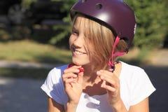 Draag een helm royalty-vrije stock afbeeldingen
