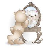 Draag verven haar lippen en kijkt in de spiegel Stock Foto's