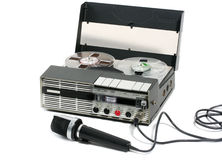 Draagbare Bandrecorder en microfoon Stock Foto