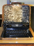 Draagbare schrijfmachine Royalty-vrije Stock Foto's