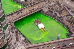 Draaiend de groene Rivier op St Klopjes stock fotografie