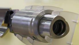 Draaiend staal Snijder voor staalverwerking Cilindrische molen royalty-vrije stock foto's