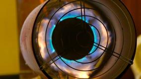 Draaiende turbine met het branden van brand stock footage