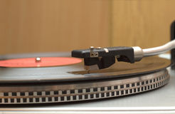 Draaischijf met vinylverslagclose-up Royalty-vrije Stock Afbeelding