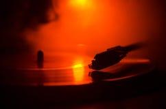 Draaischijf vinylplatenspeler Retro audiomateriaal voor deejay Correcte technologie voor DJ om muziek te mengen te spelen Het vin Royalty-vrije Stock Fotografie