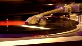 Draaischijf voor vinylschijven stock video