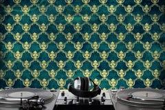 Draaischijven, hoofdtelefoons & correcte mixer Royalty-vrije Stock Fotografie