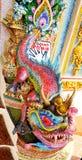 Draak ceramisch standbeeld bij Wat Pariwat-tempel in Bangkok, Thailand Royalty-vrije Stock Foto