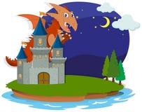 Draak en kasteel bij nacht Royalty-vrije Stock Afbeeldingen