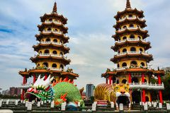 Draak en Tiger Pagodas, Lotus-vijver, Taiwan stock fotografie