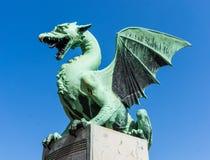 Draak op Dragon Bridge, Ljubljana, Slovenië Stock Foto's