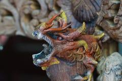 Draakachtergrond, Houten draakachtergrond, Reuze Chinese draak Stock Fotografie