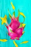 Draakfruit vers van de boom Royalty-vrije Stock Foto's