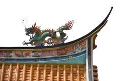 Drache auf die Oberseite des chinesischen Tempels Lizenzfreie Stockfotos
